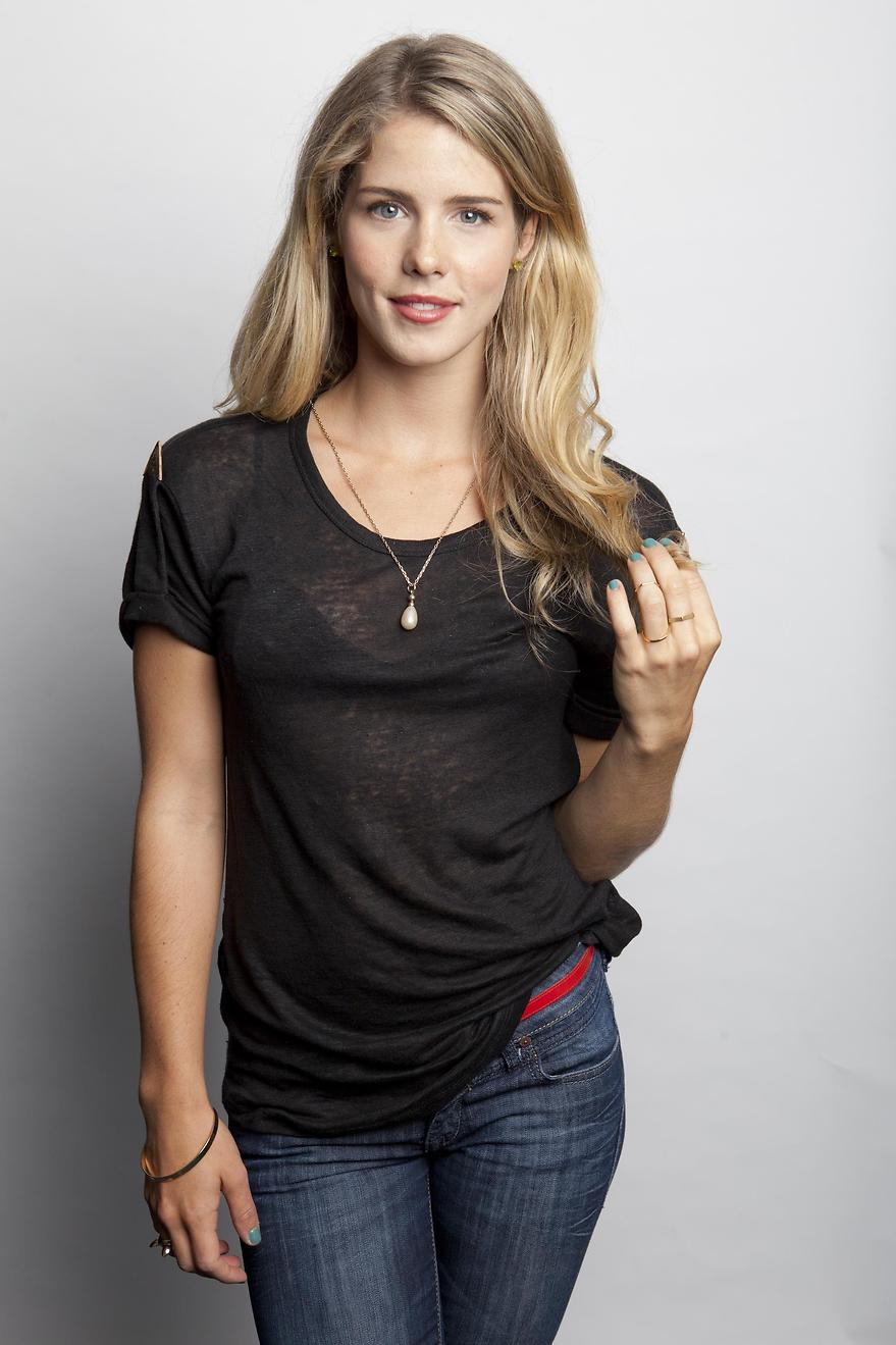 Emily Bett Rickards Es Felicity Smoak En Arrow 880x