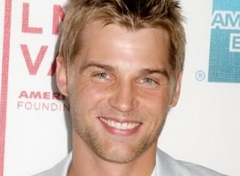 Mike  Vogel - 100x100