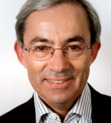 christofer-pissarides-nobel2010.jpg
