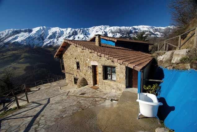 L'Aldea Soñada del Angliru, un hotel fantástico en las ...