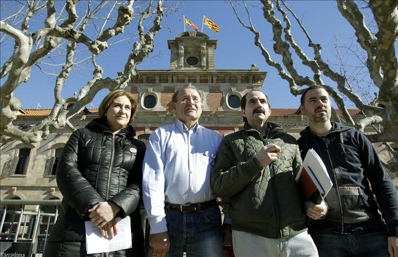 Foto de los representantes de las entidades ciudadanas integrantes del acuerdo